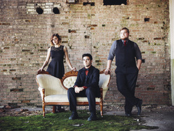 Live Music from Julia & The Greensides